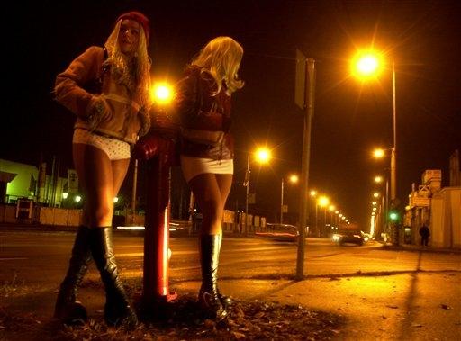 Трафик проституток проститутки на пляжах